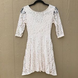 [LUSH] White Ivory Lace Dress ½ Sleeves Small